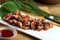 黑椒松板肉