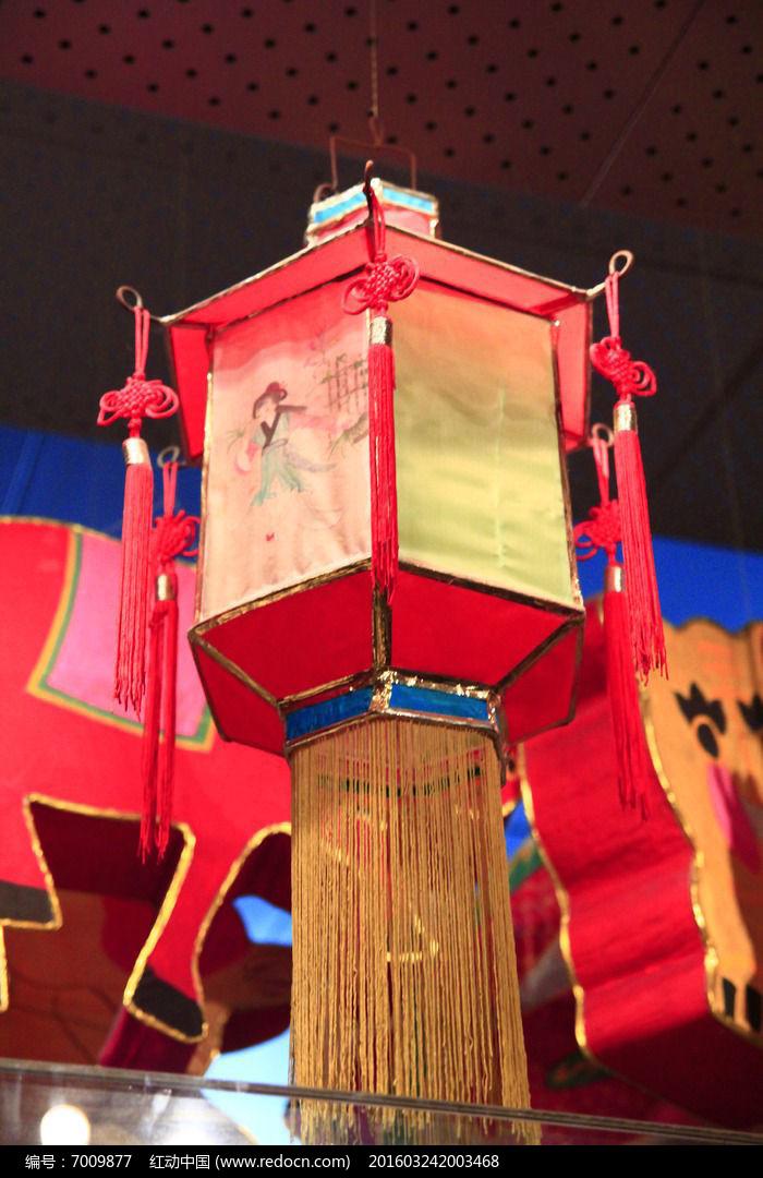 红色方形灯笼图片