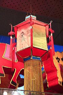 红色方形灯笼