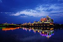 湖泊欧式建筑夜景