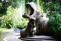 两头河马雕塑