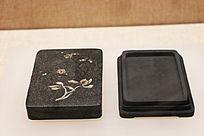 清代晚期淌池漆砂砚