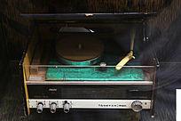 七十年代电视塔牌七晶体管交直流三用唱机
