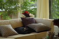 室内沙发抱枕图片