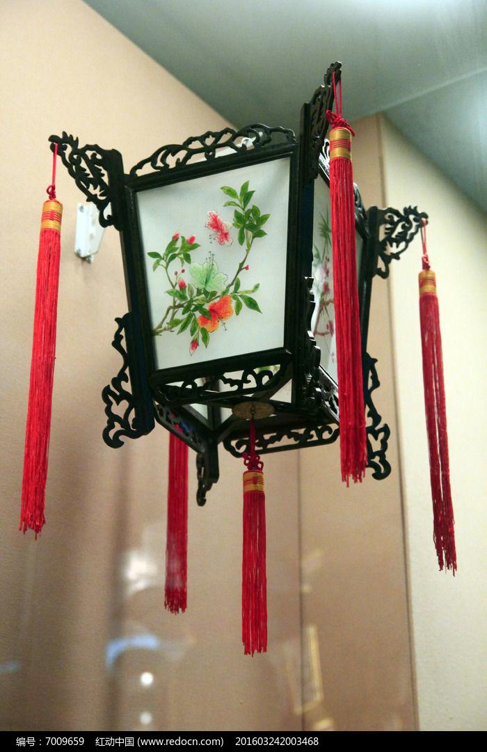 四角彩绘古典方灯笼