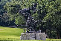 人物雕塑作品铁军