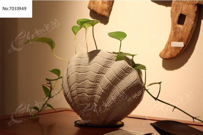 蚌壳状花瓶
