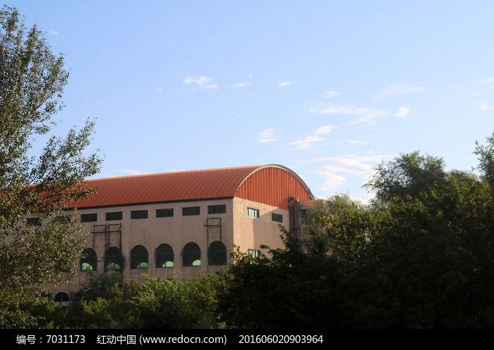 树木楼房圆形屋顶图片,高清大图_建筑摄影素材