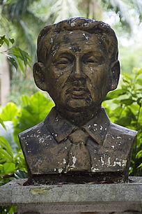 聂耳人物雕像