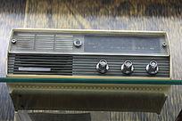 七十年代熊猫牌二波段晶体管收音机