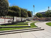 台地式种植池广场