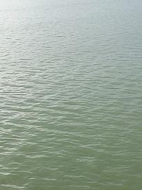 轻轻荡漾的水纹