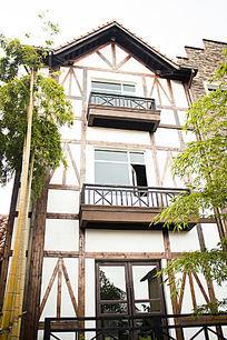 竹子与欧式建筑