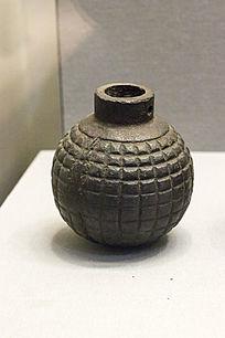 二战时期制造的铁制地雷展品