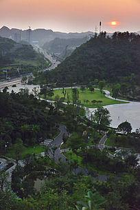四方山生态植物园里的绿色植被