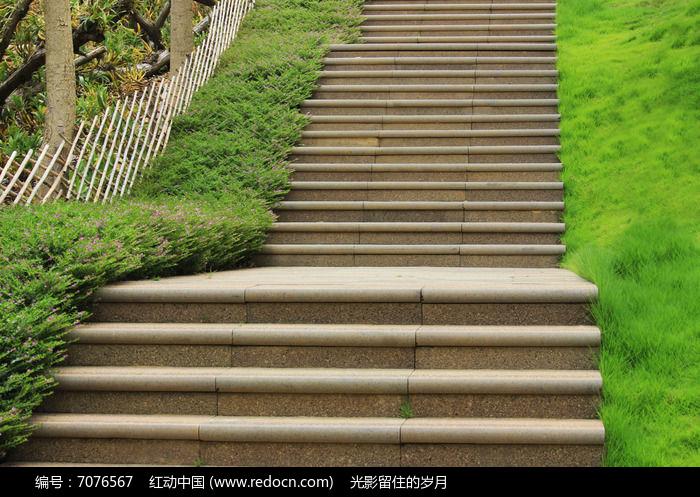 (原创)登粟裕公园感怀: - liangshange - 一线天