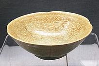 唐朝水车窑青釉瓣口碗