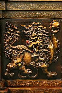 木刻狮子图案雕刻