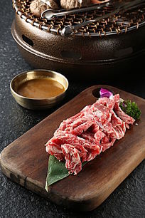 生牛排骨肉