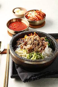 石锅牛肉拌饭