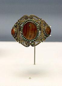 鞑靼人佩戴的手镯展品