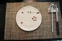 餐盘和刀叉