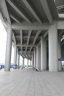 广州高铁南站到达厅外景