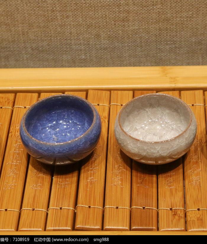 蓝色小茶盅图片