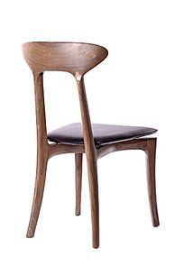 实木椅子斜视图