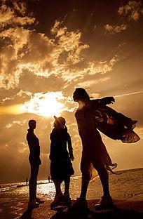 洱海大气唯美落日晚霞人物剪影