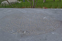 石刻的路面上的中国风花纹