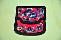 燕京八绝之清代京绣花卉荷包