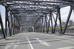 空旷外白渡桥