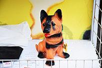 橙色塑胶玩具狗