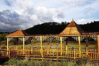 木制观长廊和亭子