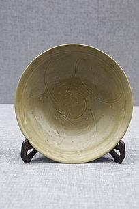 南宋时期青釉刻花花卉纹碗