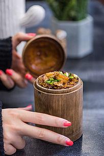 虾仁竹筒饭
