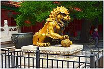 黄铜狮子雕塑