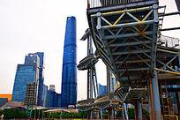 蓝色商务楼建筑群