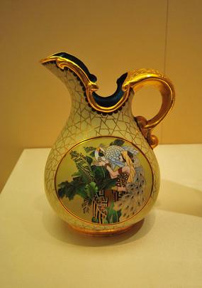 东方民族雀歌瓶