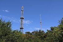 山顶上的信号塔