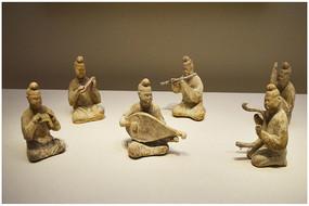 唐代舞乐人物陶俑
