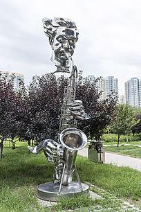 故乡情韵演奏者艺术雕塑