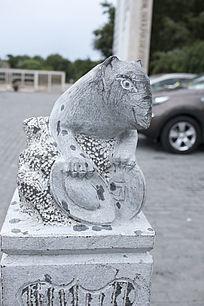 老鼠柱头艺术雕塑
