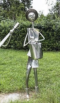 敲手鼓的人艺术雕塑