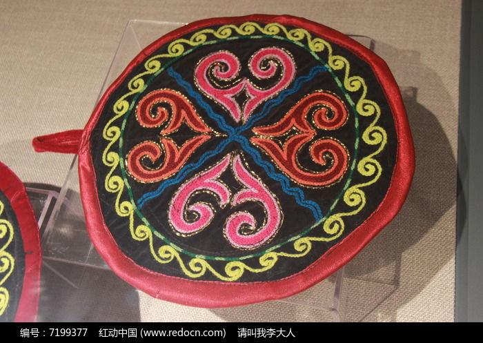 现代哈萨克族绣花布茶壶垫高清图片下载 编号7199377 红动网图片