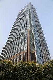 玻璃幕墙的摩天大楼