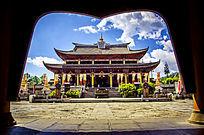 大气宫廷大门及庙宇
