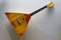 俄式三角琴
