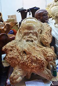 胡子头像木雕